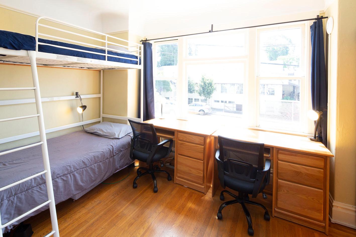 Room 5 - 2 1960w 72ppi TNT15559.jpg