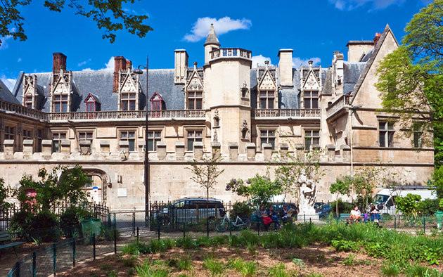 Le Quartier Latin: The Bohemian Charm of Paris