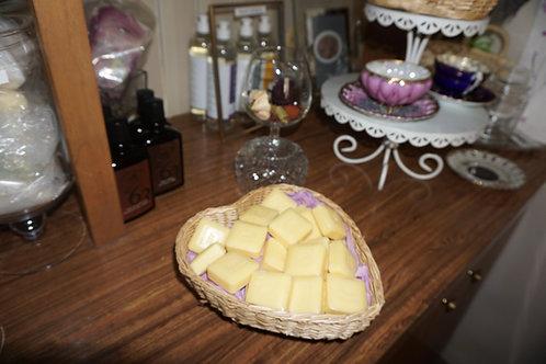 A set of 18 Miniature soaps in a basket (Medium)