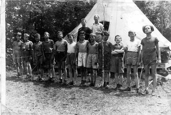 campers1943_4.JPG
