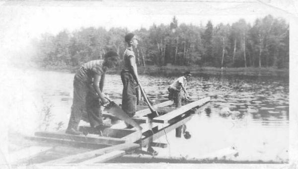activity-dockbuilding1941.JPG