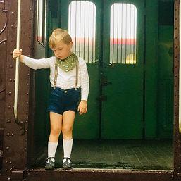 bavoir bandana enfant train_edited.jpg