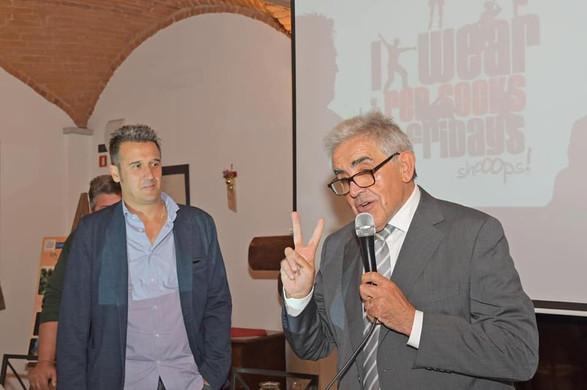 presentazione Prof. Zucca con Sindaco Gr