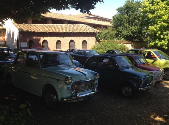AUTO STORICHE NEL PARCO DEL CASTELLO.jpg