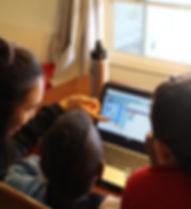 Chapman STEMtors teaching children how to code