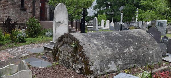 Charleston's oldest graveyard is at Circular Congregational Church