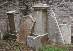 Grave markers at Charleston's First Baptist Church