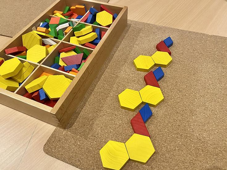 Patterning blocks on a mat