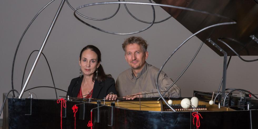 Sidén Hedman duo och Ylva Q Arkvik på Storkyrkobrinken 1