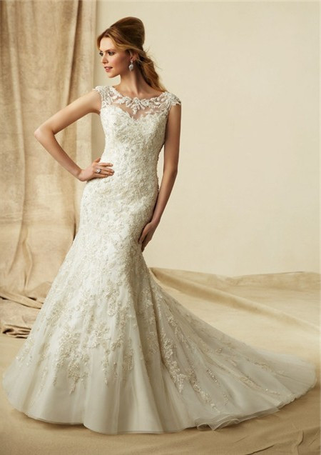 Wedding Dress: Size 10   Bridal Store, Appleton, WI