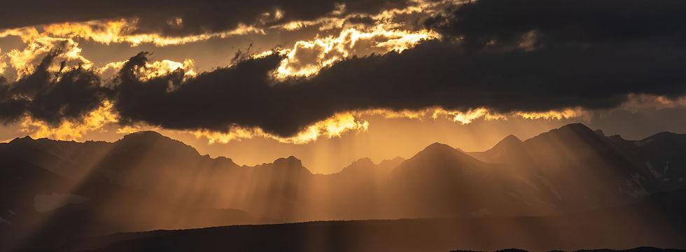 sunrays rocky mountains_2450x900.jpg
