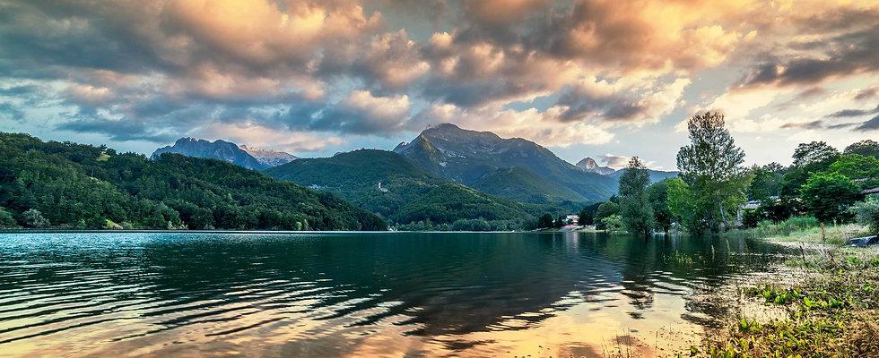 mountain lake sunset_2450x1000.jpg