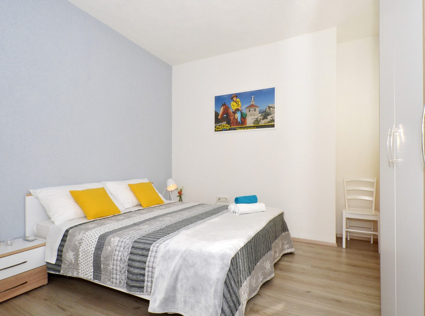 Cosy room in beautiful apartment in the Makarska center