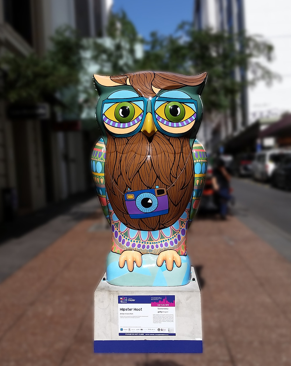 Hipster Hoot by Andre Roth