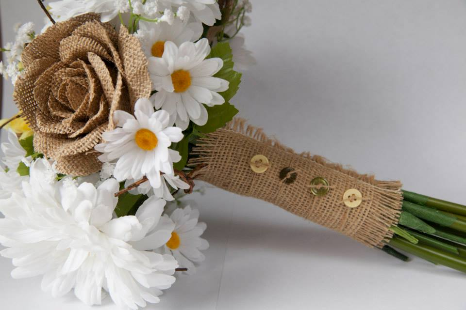 Country burlap daisy bouquet