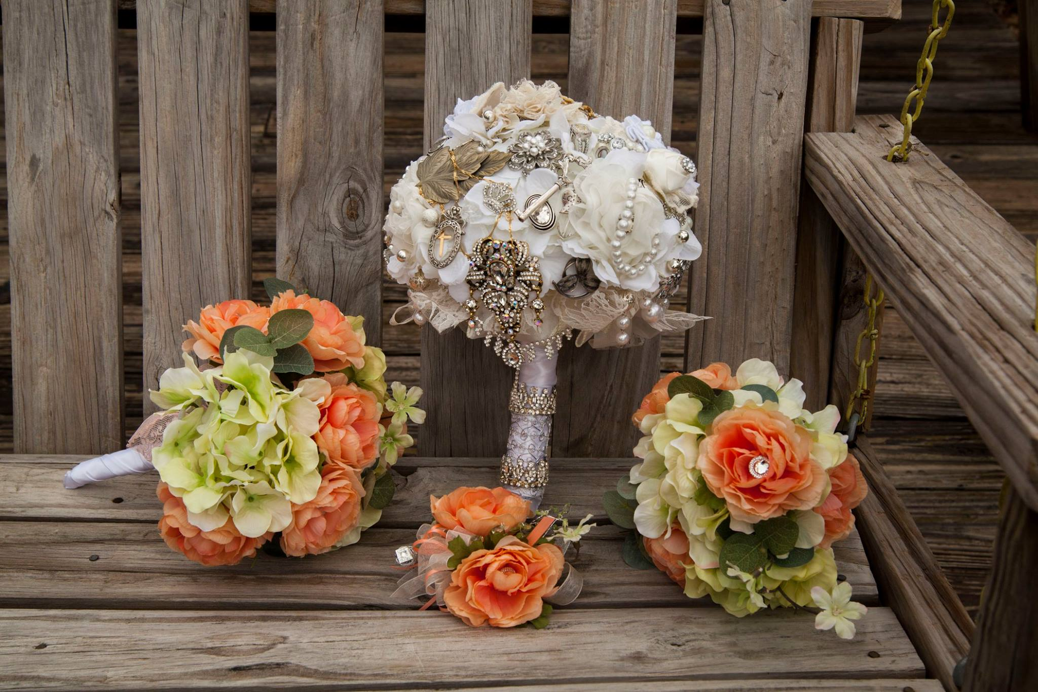 Brooch Bouquet with bridal party