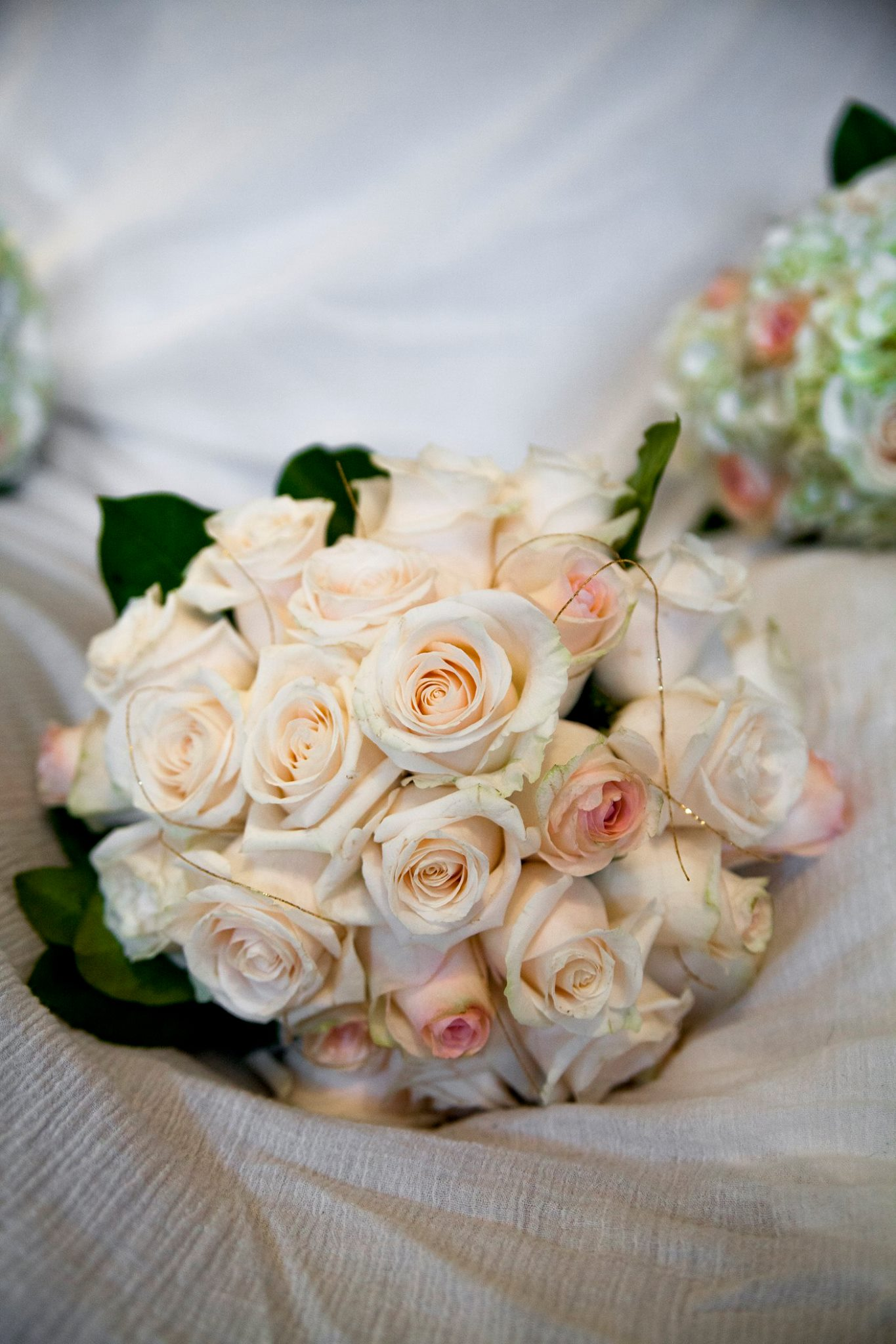 Fresh Rose bride bouquet