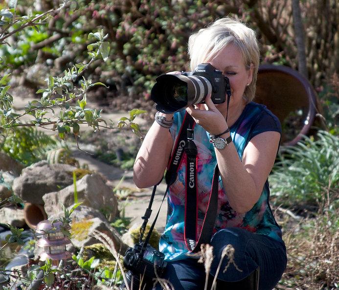 Lorraine Oates.jpg