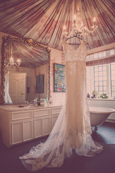 stunning wedding photography of wedding dress