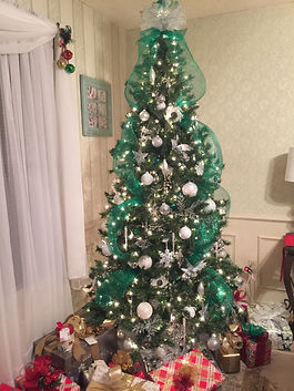 Emerald Christmas Tree Rental