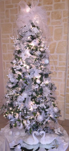White christmas tree for Wedding venue