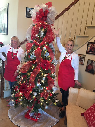 Christmas Tree rental, Red and Silver Christmas tree, Unique Christmas tree rental, Best Christmas tree decorating