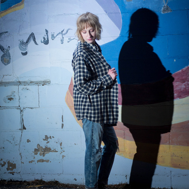 off-camera-flash-downtown-willmar-area-photographers-canon-fat-freddy's-mural-urban-grunge-senior-minnesota-kadiyohi-county-best-bee-marie-photography-different-glam-2018-converse-skate-quirky
