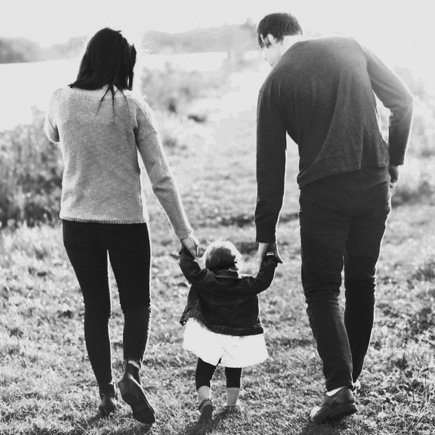 Willmar-MN-Minnesota-Photographer-Lifestyle-Photography-Family-Child-Children-Baby-Black-and-White-Robins-Island-Bee-Marie-Photography-BMP