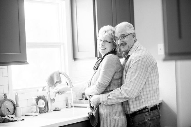 Couples-Engagement-Kitchen-Dishes-Love-Willmar-Minnesota-Kandiyohi-County-Reeb-BeeMariePhotography-BMP-2018-April