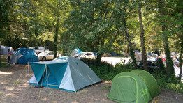 Campeurs et camping-cars