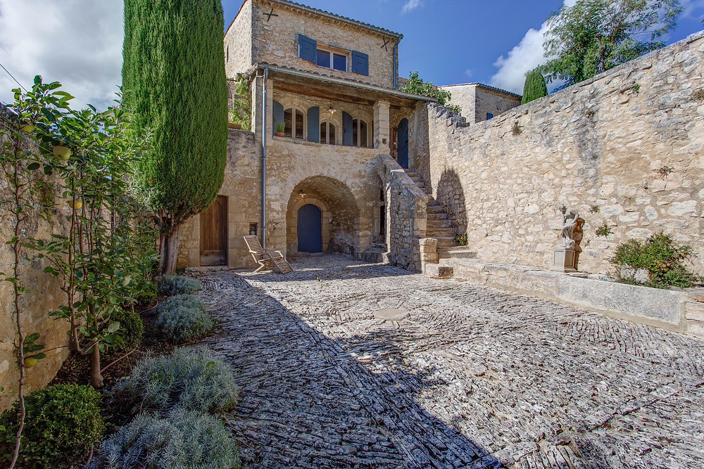 Medieval courtyard at Le Bastide close to St-Michel-l'Observatoire in the Luberon which dates from the 24th century
