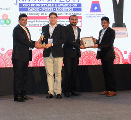 Receiving Best Inland Movers (Multicargo) at EXIM and Logistics Awards-2016
