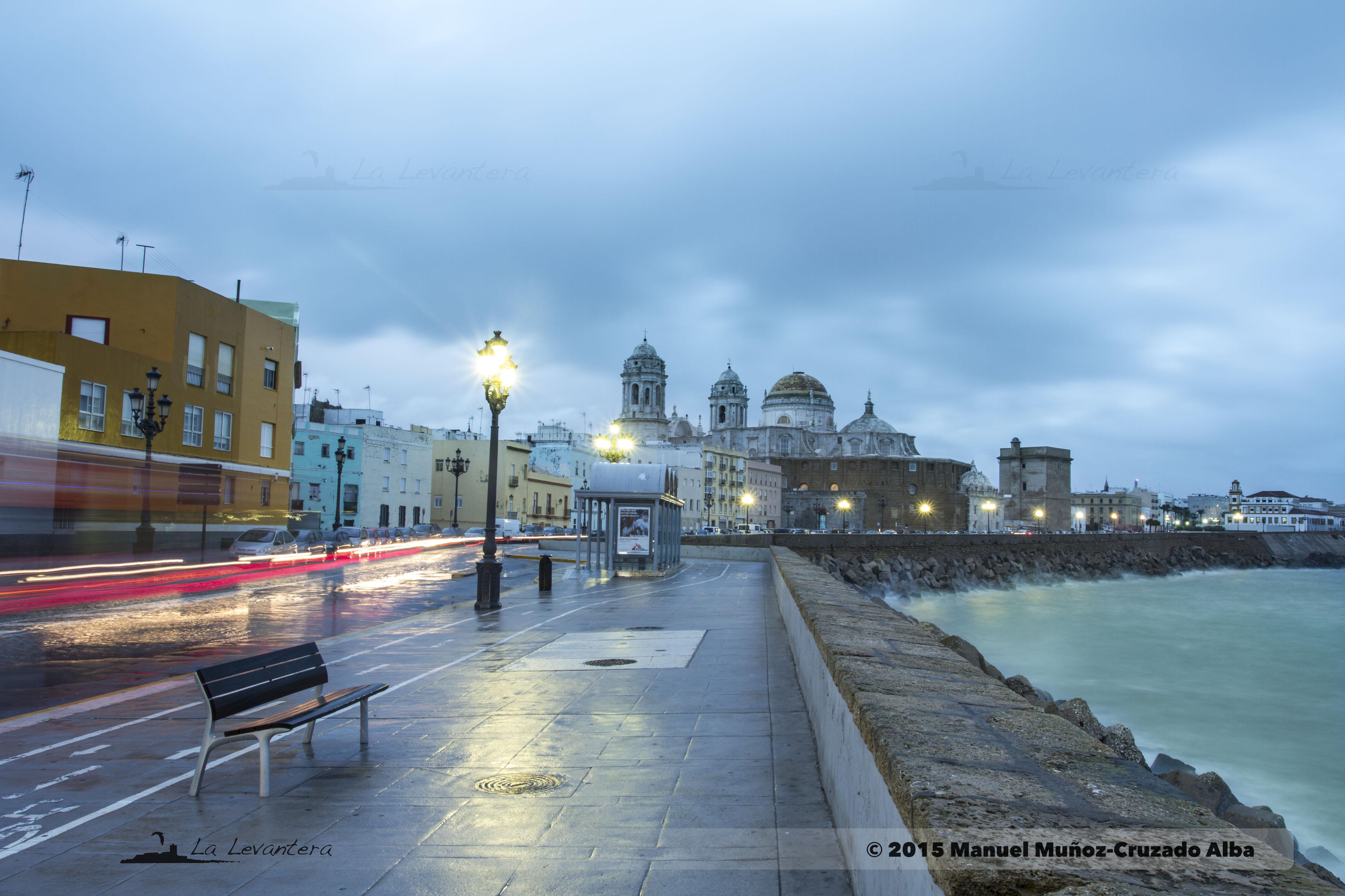 La ciudad, la lluvia y el mar