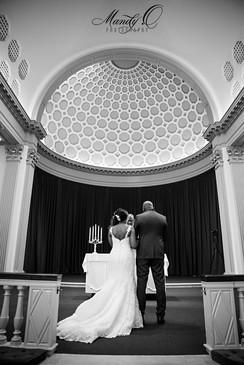 wedding-altar-back-shot-black-and-white-