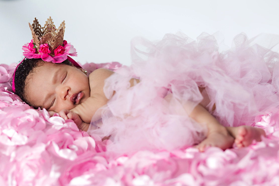 pink-theme-baby-shoot-mandy-o-photograph