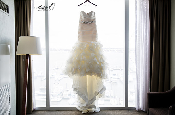 wedding-gown-hotel-room-Mandy-O-photogra