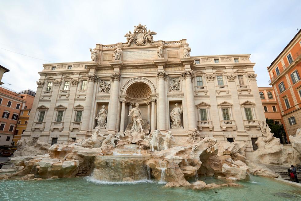 Trevi Fountain Rome, Italy_1912.jpg