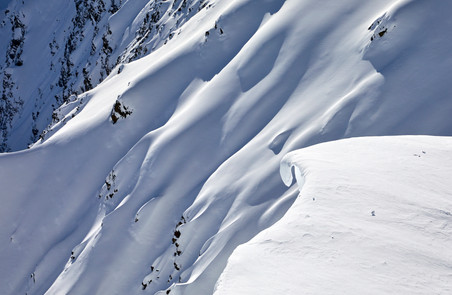 Snow waves, French Alps