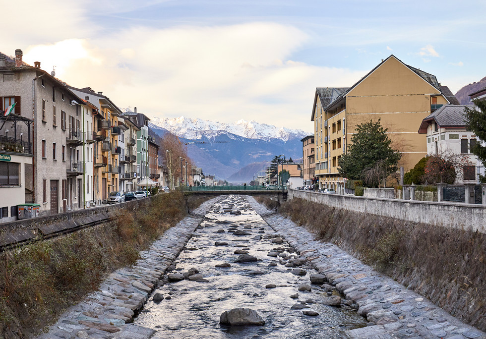 Tirano, Italy_1832.jpg
