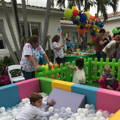 Extra Large Ball Pit with Slide inside