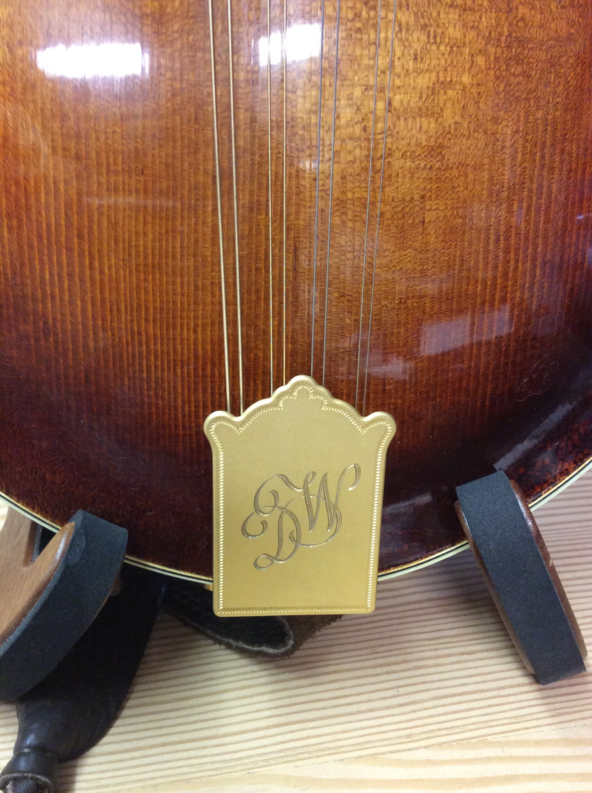 Custom tailpiece engraving