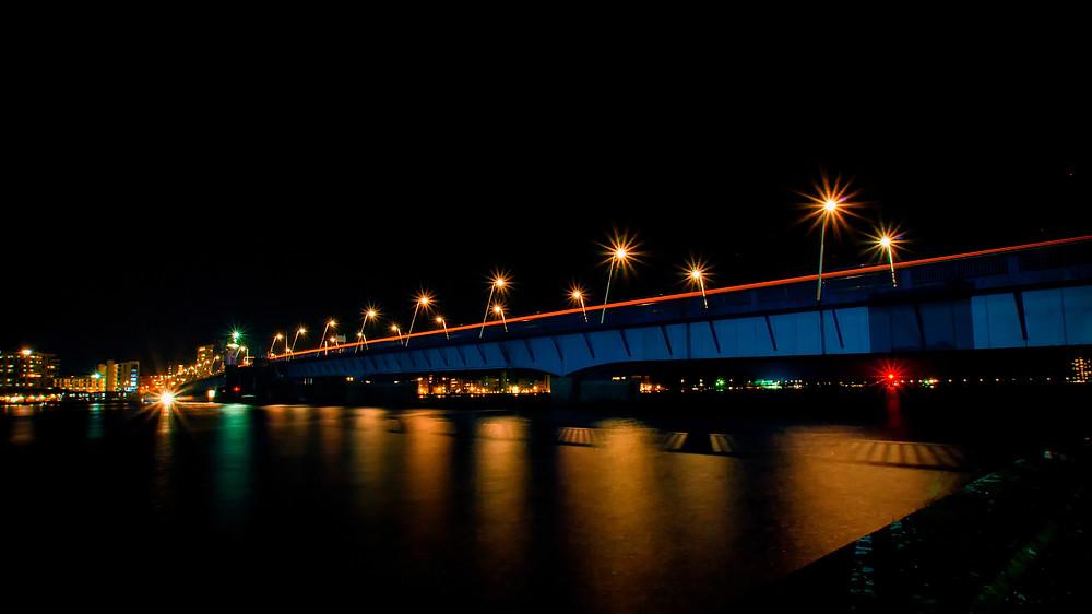 Langtidseksponering af Limfjordsbroen.