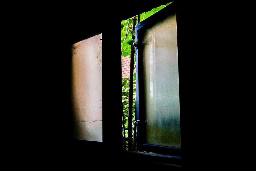 Et kig fra stueetagen på Bogense Sygehus.