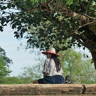 Frau in Angkor Wat