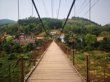 #22 Muang Khua ist wo sich der Magen umdreht - und ab nach Vietnam