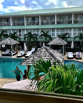 Blu-Hotel-pool.jpg