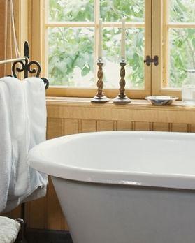Wreta-Herrgård-bathroom.jpg