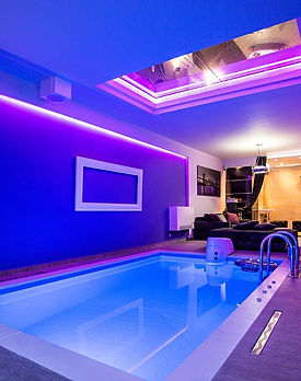 Party-villa-pool.jpg