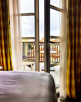 hotel-des-paris-room.jpg