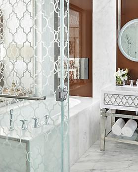 Waldorf-Astoria-kingroom-bathroom.PNG